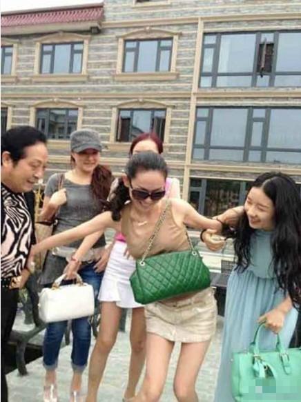 """王林大师和众""""干女儿""""调情照(组图) - 遇果林 - 遇果林-原生态博客"""