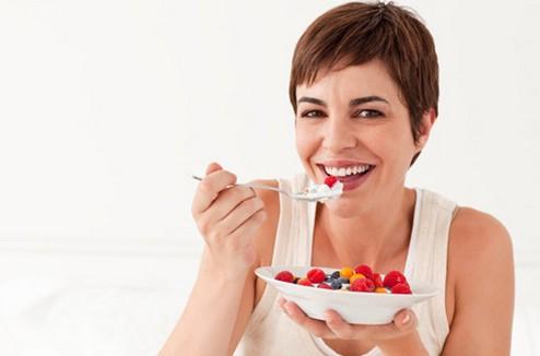 8个清爽塑身的夏日早餐食谱 - VOGUE时尚网 - VOGUE时尚网