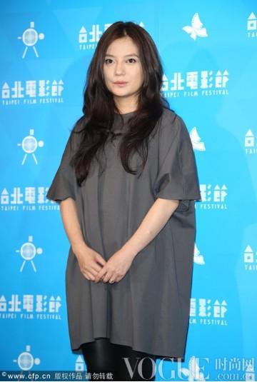 舒淇透视短裙艳压赵薇 - VOGUE时尚网 - VOGUE时尚网
