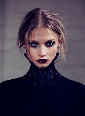 熬夜加班我们能为肌肤做什么 - VOGUE时尚网 - VOGUE时尚网