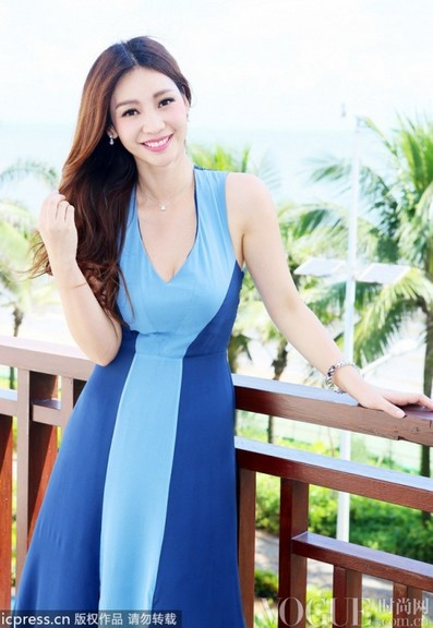 李冰冰柳岩斗艳女星最佳着装 - VOGUE时尚网 - VOGUE时尚网