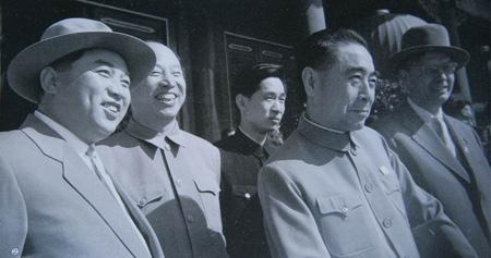 还在朝鲜人民军顺利向南方推进时毛泽东就与金日成的私人...