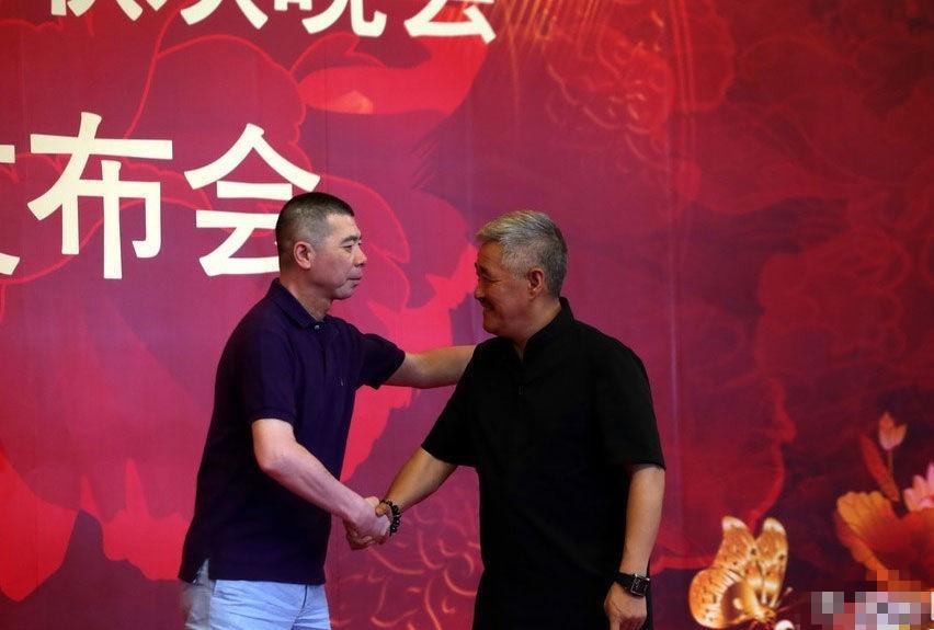 赵本山/看现场图片,发现冯小刚越来越像赵本山的得意弟子王小虎。