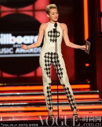 Miley Cyrus甜心小妞要叛逆 - VOGUE时尚网 - VOGUE时尚网