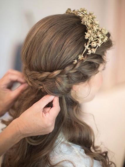 15款梦幻的户外婚礼发型推荐 - VOGUE时尚网 - VOGUE时尚网