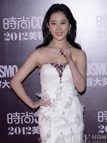 刘亦菲的仙女范儿珠宝经 - VOGUE时尚网 - VOGUE时尚网