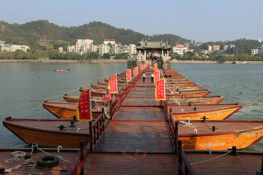 实拍:世界上第一座启闭式浮桥 - 余昌国 - 我的博客