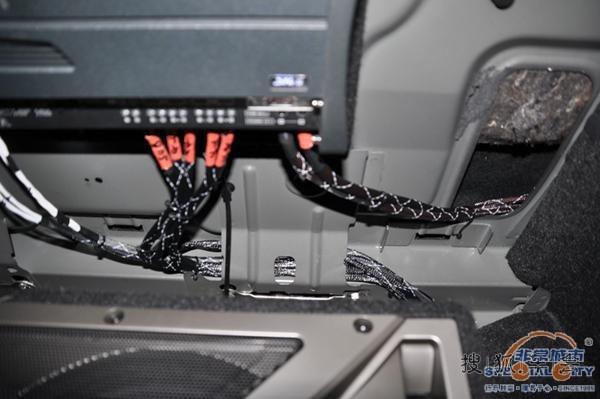 沃尔沃S80低调的音响改装