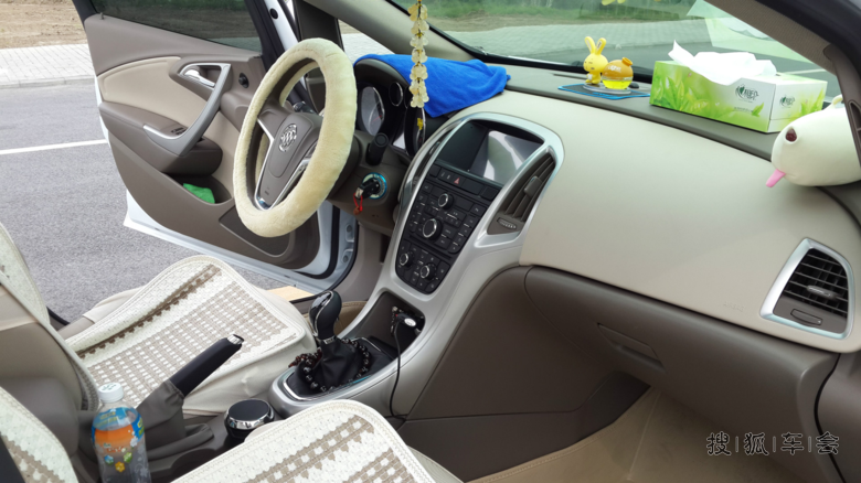 某只猫上买的行车记录仪,电是取点烟器的没进保险丝盒,线走的是暗线