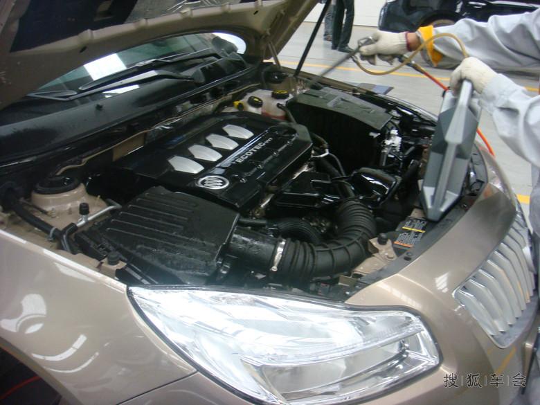 13款2.0天籁车发动机舱图解