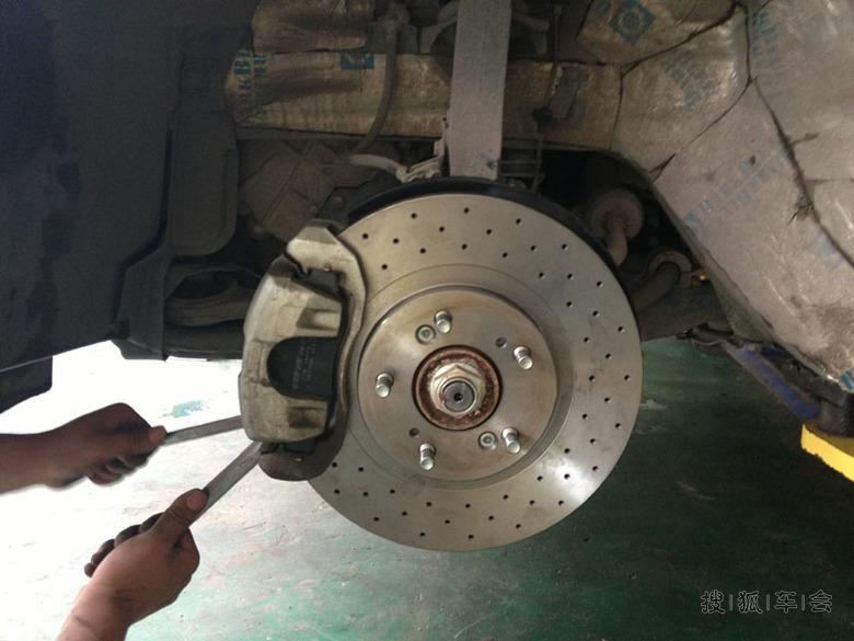 佐佐木刹车盘怎么样_今天终于换了佐佐木的打孔通风刹车盘以及刹车片全套