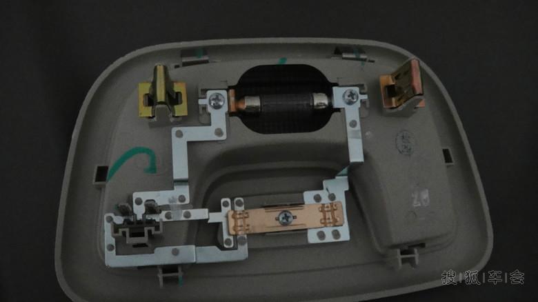 赛欧作业:8寸导航+倒车摄像头+行车记录仪