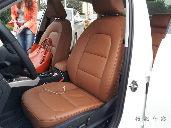 奥迪 a4 l包汽车真皮座椅作业图片 棕色 座椅 和 高清图片