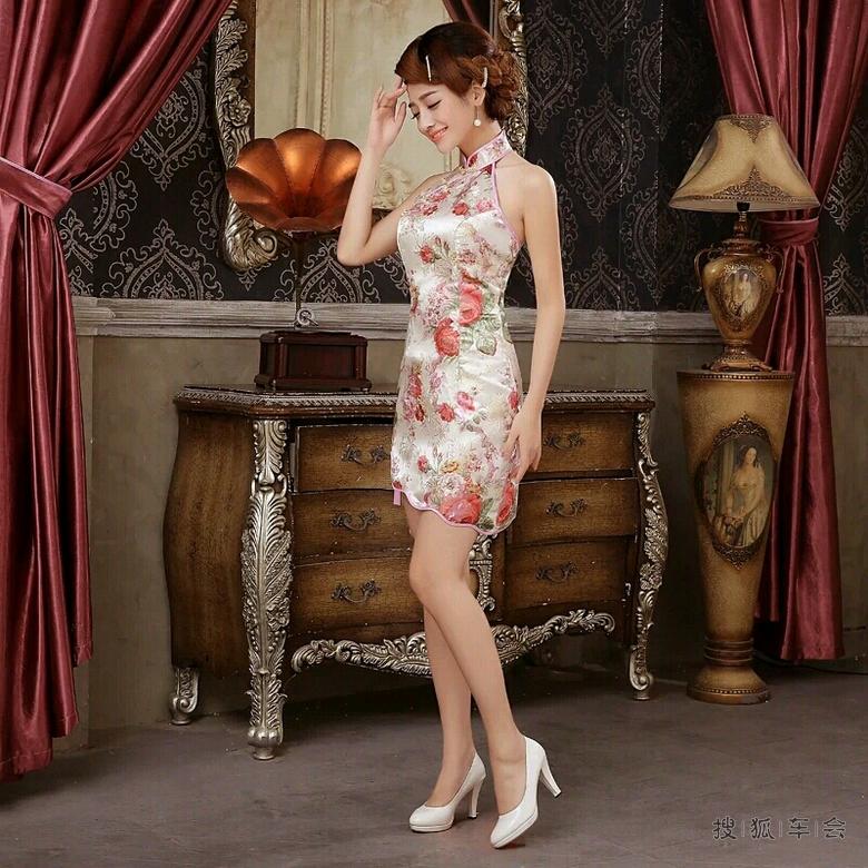 我爱旗袍女  帖子来源于搜狐汽车手机客户端