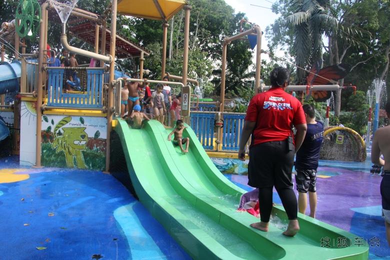 新加坡动物园里的儿童乐园