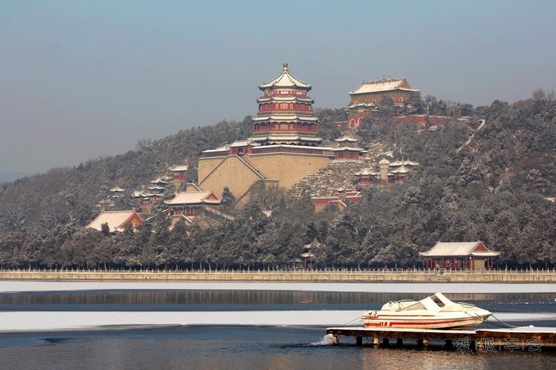 六孔陶笛眉间雪曲谱-园内建筑以佛香阁为中心,园中有景点建筑物百余座、大小院落20余处