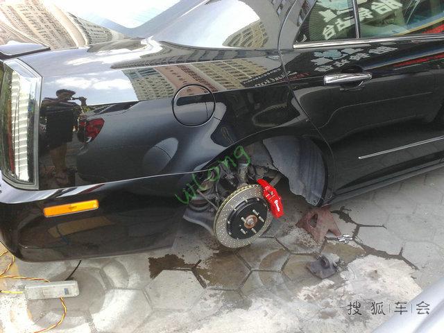 凯迪拉克sls赛威改装刹车案列 brembo ap前六后四高清图片